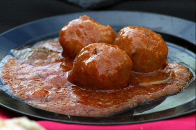 Pennsylvania State Police said a man suspected of stealing a pot of meatballs was spotted with red sauce all over his face and clothes. Photo by EstudioWebDoce/Pixabay.com