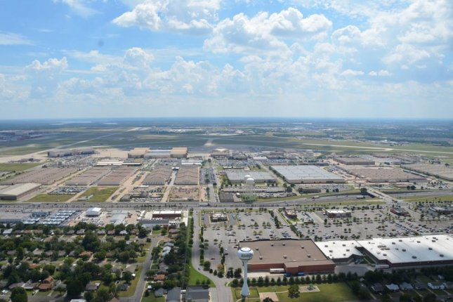 TheThe Defense Logistics Agency awarded Oklahoma City Water Utilities Trust a $617.5 million contract Tuesdayto upgrade and maintain water and wastewater facilities at Tinker Air Force Base, seen here in a 2016 aerial photo. Photo by Lauren Gleason/U.S. Air Force