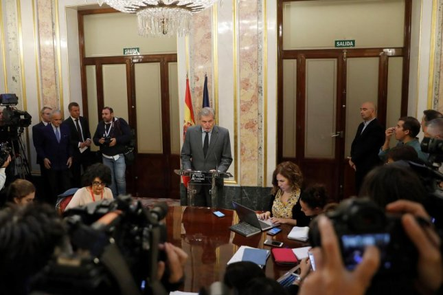 A Spanish government spokesman announces that the Madrid government will move to invoke Article 155 of the Spanish Constitution amid the independence crisis involving Catalonia. Photo by Juan Carlos Hida/EPA