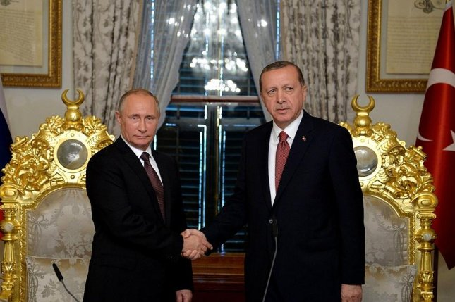 Russian President Recep Tayyip Erdogan agrees with Russian President Vladimir Putin to accelerate work on a pipeline to carry Russian gas to the European market. Photo courtesy of the office of the Russian president.