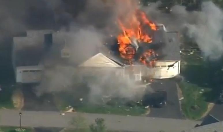 House explosion in Brentwood, N.H. (WMUR/Screenshot)
