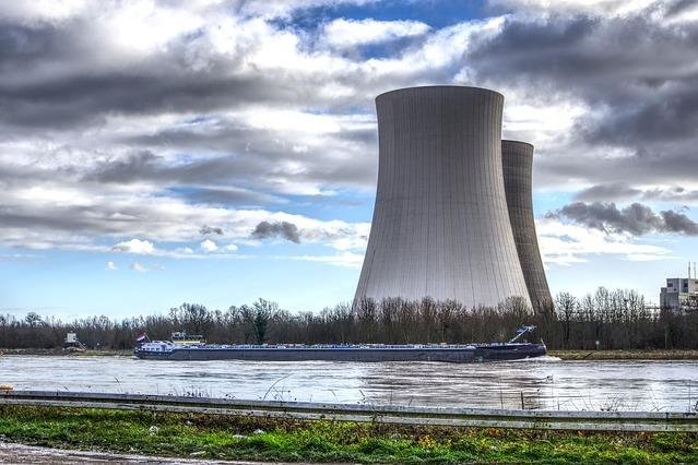 Nuclear power, an important part of the energy mix, is set to decline in coming decades unless policies are put in place to promote new plants and upgrades, the IEA said. Photo by distel2610/Pixabay