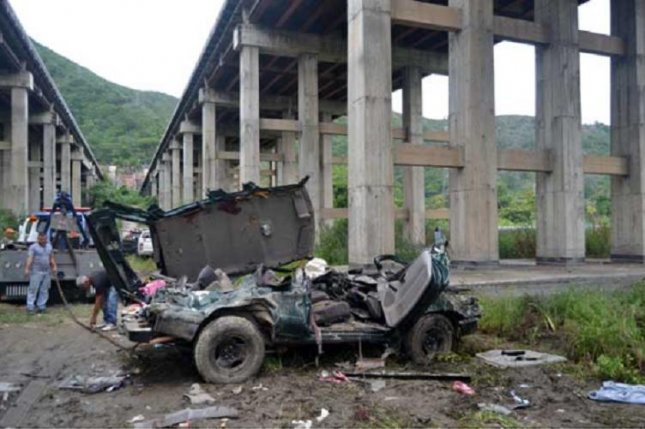 Venezuela's La Cabrera bridge-tunnel, considered one of the most important transport routes in the country, has had dangerous infrastructure problems on its viaduct, according to a National Assembly member who warns that if the viaduct collapses his state of Carabobo will be in solitary confinement. Photo courtesy of Williams Gil