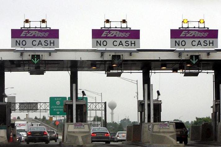 Man caught dodging toll had $56,000 outstanding toll bill - UPI com
