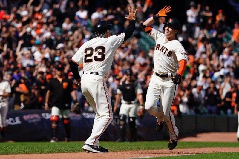 San Francisco Giants rookie Mike Yastrezemski (R) has nine home runs this year. Photo by sfgiants/Twitter