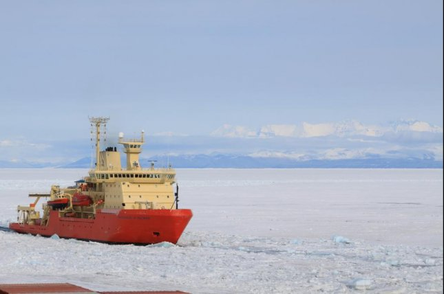 The National Science Foundation research vessel Nathaniel B. Palmer helped scientists map the floor of the Ross Sea in 2015. Photo by L. Simkins/Rice University