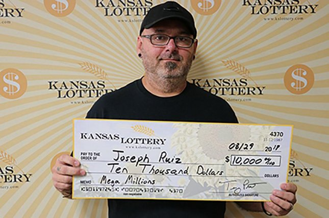 Phone call from friend leads to $10,000 lottery prize