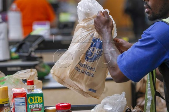 Krogers announced last year it would get rid of single-use plastic bags by 2025. New York announced Sunday a statewide ban on the bags by 2020. Photo by Erik S. Lesser/EPA-EFE