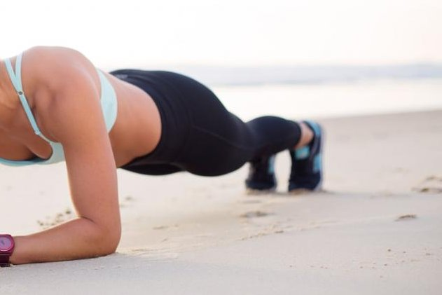 A Montreal woman at a fitness event in Illinois broke a Guinness World Record by holding a plank position like the one demonstrated here for 4 hours and 20 minutes. Photo byNathan Cowley/Pexels.com