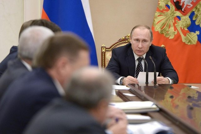 Russian President Putin meets with oil sector leaders to discuss policy proposals to address weak market conditions. Photo courtesy of the Kremlin