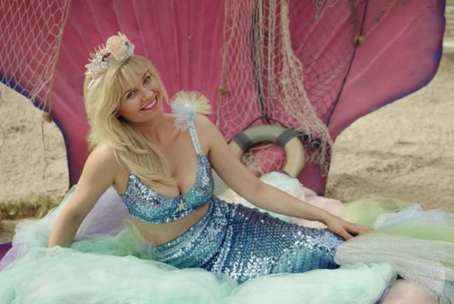 Kirsten Dunst stars as Crystal Stubbs in On Becoming a God in Central Florida. Photo courtesy of Showtime.