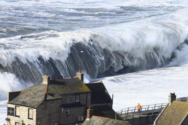 Europe's west coast was pounded by extreme waves during the winter of 2013-2014. Photo by Richard Broome/Plymouth University