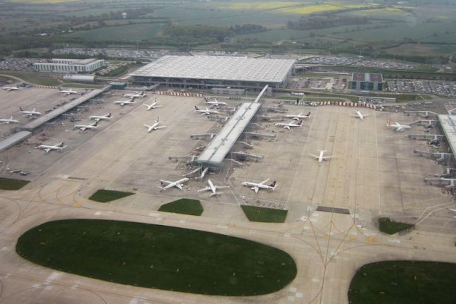 Passenger tells of 'big bang' in aborted take-off as Stansted suspends flights