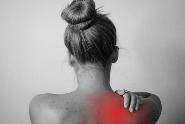"""A new procedure of """"stunning"""" nerves offers new hop for people with shoulder and hip arthritis pain. Photo by Tumisu/Pixabay"""