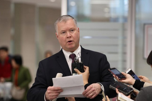 Stephen Biegun, the top U.S. diplomat on North Korea, answers reporters' questions upon arriving at Incheon International Airport, west of Seoul, on Wednesday. Photo by Yonhap