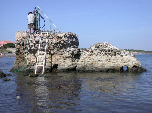 Seawater makes ancient Roman concrete stronger