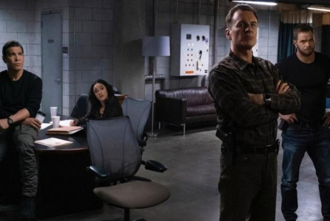 FBI: Most Wanted -- starringRoxy Sternberg, Nathaniel Arcand, Keisha Castle-Hughes,Julian McMahon and Kellen Lutz -- is to debut on Jan. 7. Photo courtesy of CBS