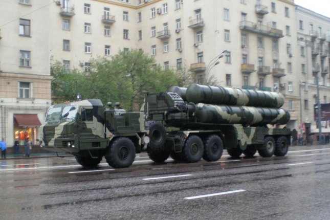The Russian Aerospace Force plans to receive six more S-400 Triumf long-range antiaircraft missile systems this year, the TASS news agency reported. Photo by UMNICK/Wikimedia Commons