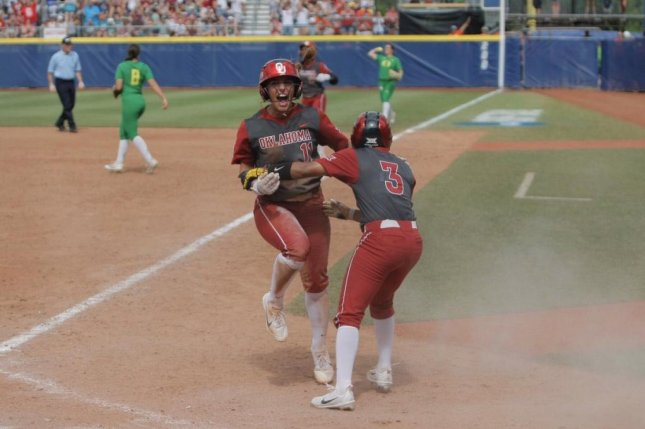 Oklahoma outlasts Florida in epic 17-inning Game 1