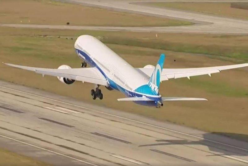 Boeing's latest Dreamliner model, the 787-10, makes maiden flight