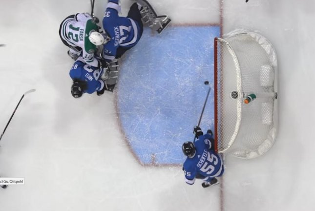 Winnipeg Jets center Mark Scheifele (55) made an incredible stick save against the Dallas Stars on Monday. The Stars beat the Jets 5-2. Photo courtesy of NHL/YouTube