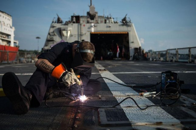 A General Accountability Office report on Friday noted that unplanned maintenance work on LCS vessels create increased costs and scheduling issues. Photo by MCS2 Antonio Turetto Ramos/U.S. Navy