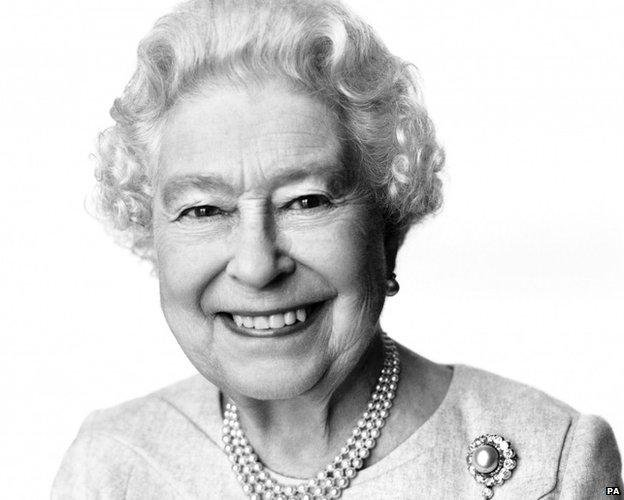 Black And White Pictures Of Queen Elizabeth