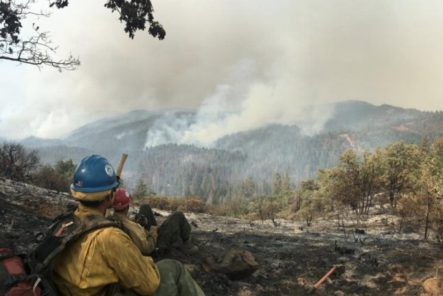 Section of Yosemite park to close as crews battle blaze