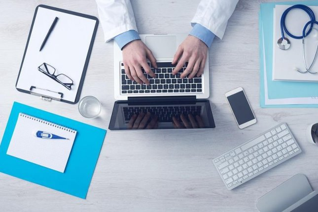 A new study has found that the federal requirement for physicians to maintain electronic health records may negatively impact doctor, patient relationships. Photo by Free-Photos/PixaBay