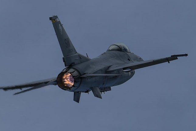 US Air Force tests air-to-ground strikes with unmanned F-16 combat jet