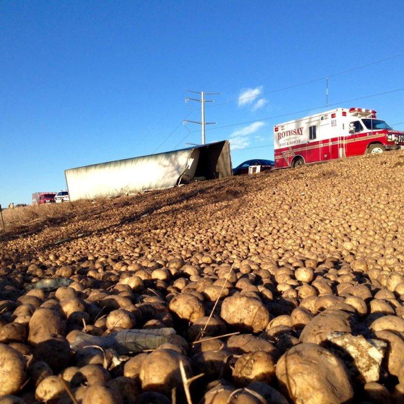 Minnesota police share photo of potato truck spill on I-94