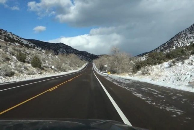 The rumble strip on a section of Route 66 in New Mexico plays America the Beautiful when a car drives over it. Screenshot: kholmes39/YouTube