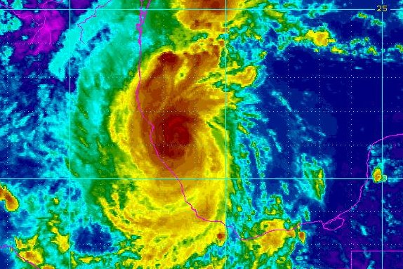 Hurricane Katia strengthening, moving toward Mexico coast
