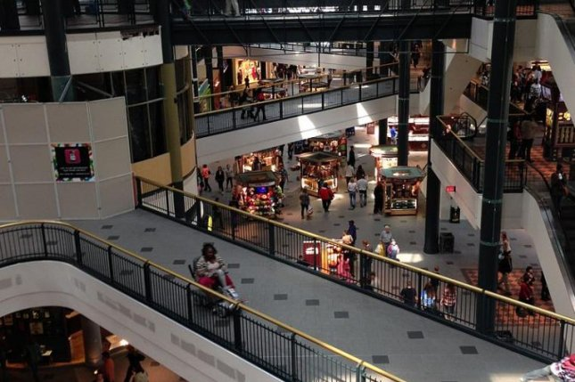The Mall of America in Bloomington, Minn., has three levels on the west side. Photo by Runner1928/Wikimedia Commons