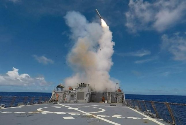 A Tomahawk Land Attack Missile is launched from the Arleigh Burke-class guided-missile destroyer USS Stethem during Valiant Shield 2016. Photo by Command Master Chief Jaret Morris/U.S. Navy