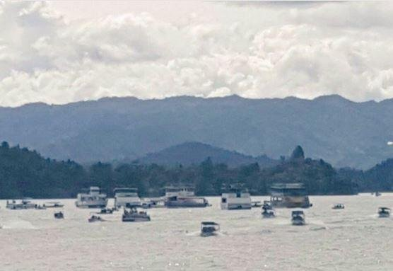 Colombian ferry with 150 passengers aboard sinks in reservoir