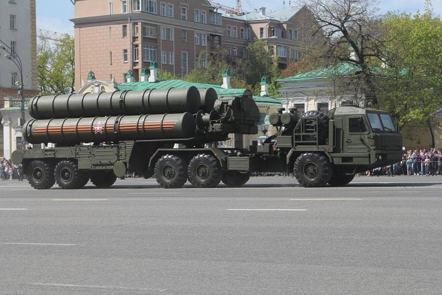 Russia's S-400 Triumf launch vehicle features cold-launching technology. Photo by SA/Wikimedia