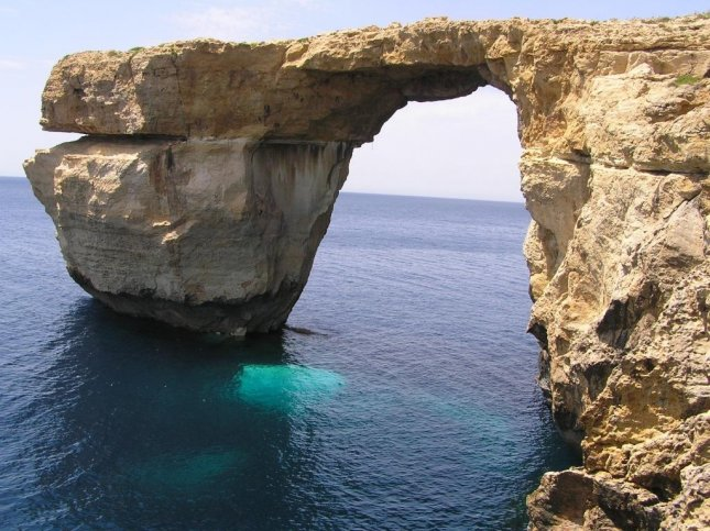 The Azure Window on the island of Gozo in Malta, seen here in 2012, collapsed this week in a storm. Photo by anjab1593, Wikimedia Commons.