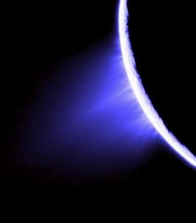 This image shows icy spray spewing from Saturn's moon, Enceladus. Credit: NASA/JPL/Space Science Institute