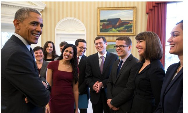 Members of the Social and Behavioral Sciences Team meet with President Obama in the White House in January 2015. The team recently put out a report that an email will encourage student loan borrowers to pay their debt. Photo courtesy White House