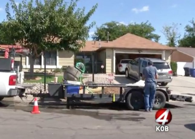Owners of 'Breaking Bad' house build fence to prevent