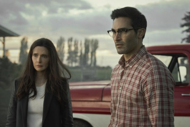 Lois Lane (Elizabeth Tulloch) and Clark Kent (Tyler Hoechlin) move back to Smallville. Photo courtesy of The CW