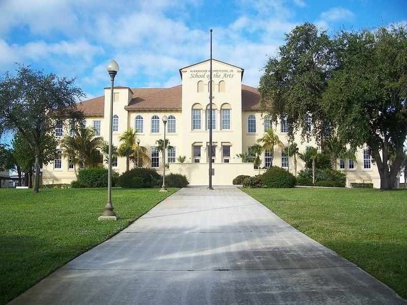 Alexander W. Dreyfoos, Jr. School of the Arts in West Palm Beach, Florida. (CC/Ebyabe)