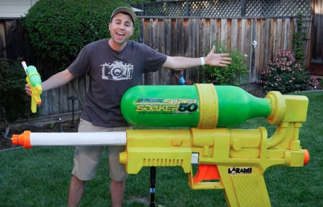 Mark Rober, a mechanical engineer from California, built the world's largest Super Soaker water gun, measuring 7 feet long.