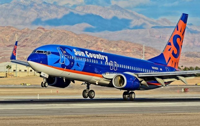 Sun Country Airlines cancels flights, leaves passengers in ...