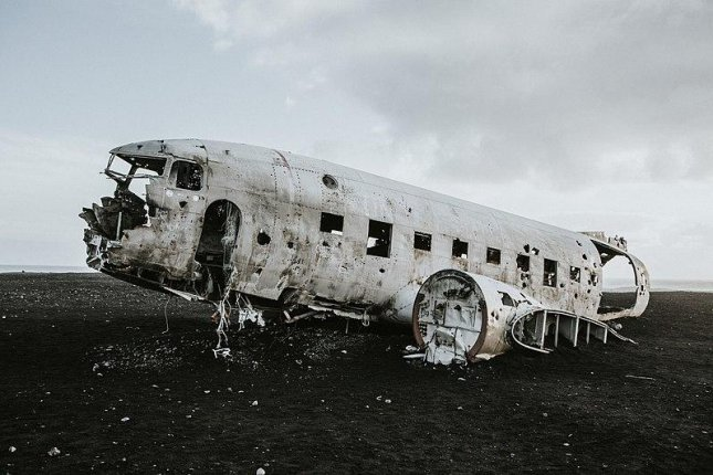 The bodies of two Chinese nationals were found near a popular tourist site in Iceland featuring the wrecked fuselage of an American DC-3 which crashed in 1973. Photo by Lydia Harper/Wikimedia Commons