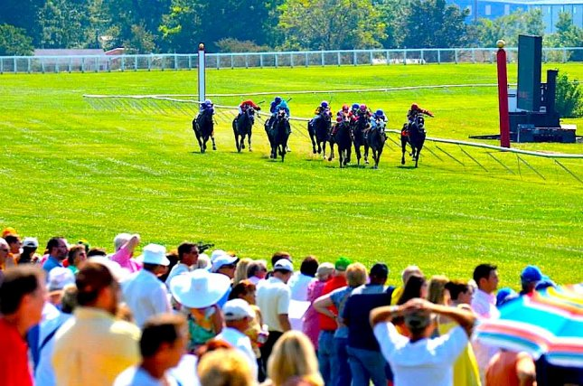 Kentucky Downs fires up its brief, spectacular meeting this weekend on the Euro-style grass course. (Kentucky Downs photo)