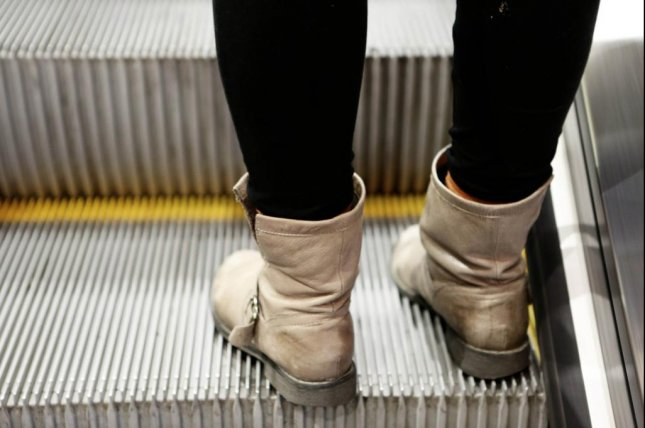 The Saitama prefectural assembly in Japan passed an ordinance that will require escalator users to stand in place rather than attempt to climb or descend the stairs while in motion. Photo by Life-Of-Pix/Pixabay.com