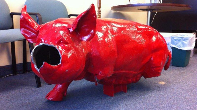 Stolen Pig Statue Found Damaged