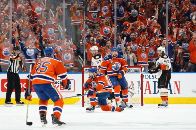 Edmonton forced a Game 7 in their series with Anaheim with a 7-1 victory Sunday. Photo courtesy Edmonton Oilers via Twitter